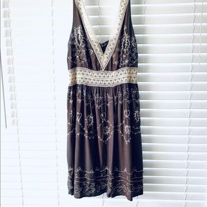 Mlle Gabrielle Taupe Crochet Paisley Dress